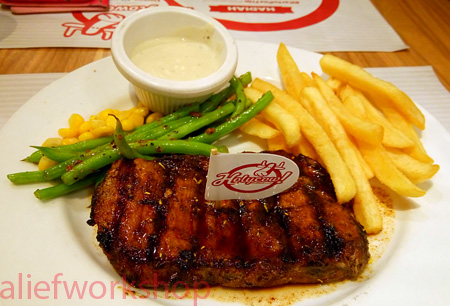 Prime Sirloin with Mushroom Sauce & French Fries