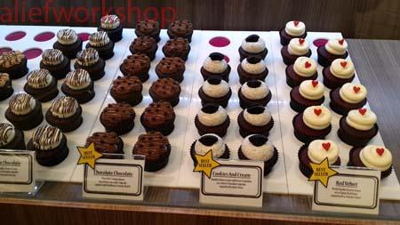 Twelve Cupcakes 4
